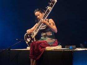 Anoushka Shankar with Norah Jones Parking