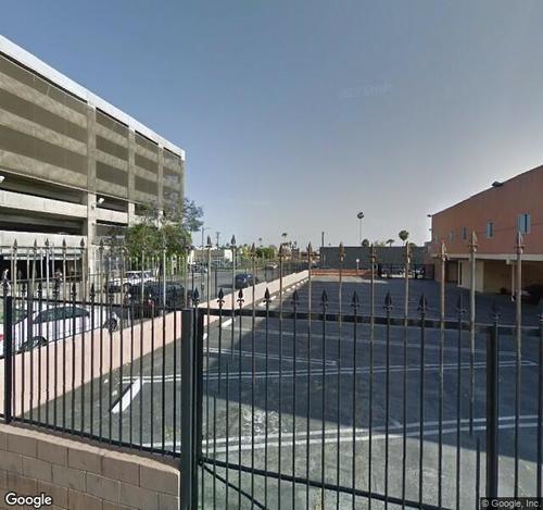 Le Jardin/Lure Parking Lot